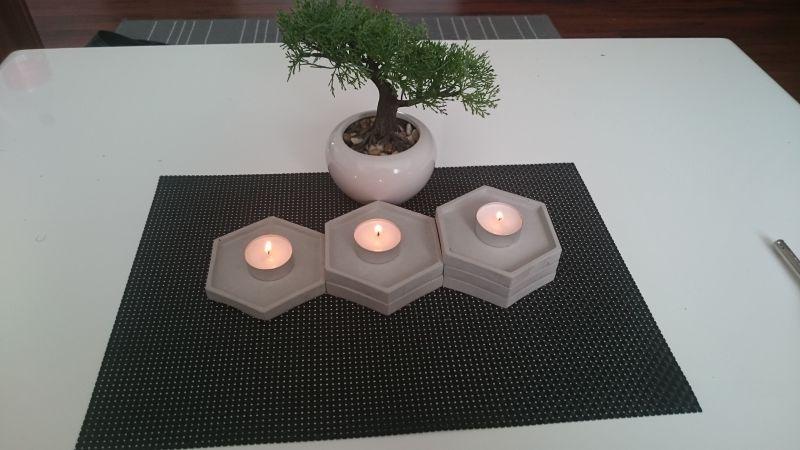 Свещник за чаени свещи от бетон